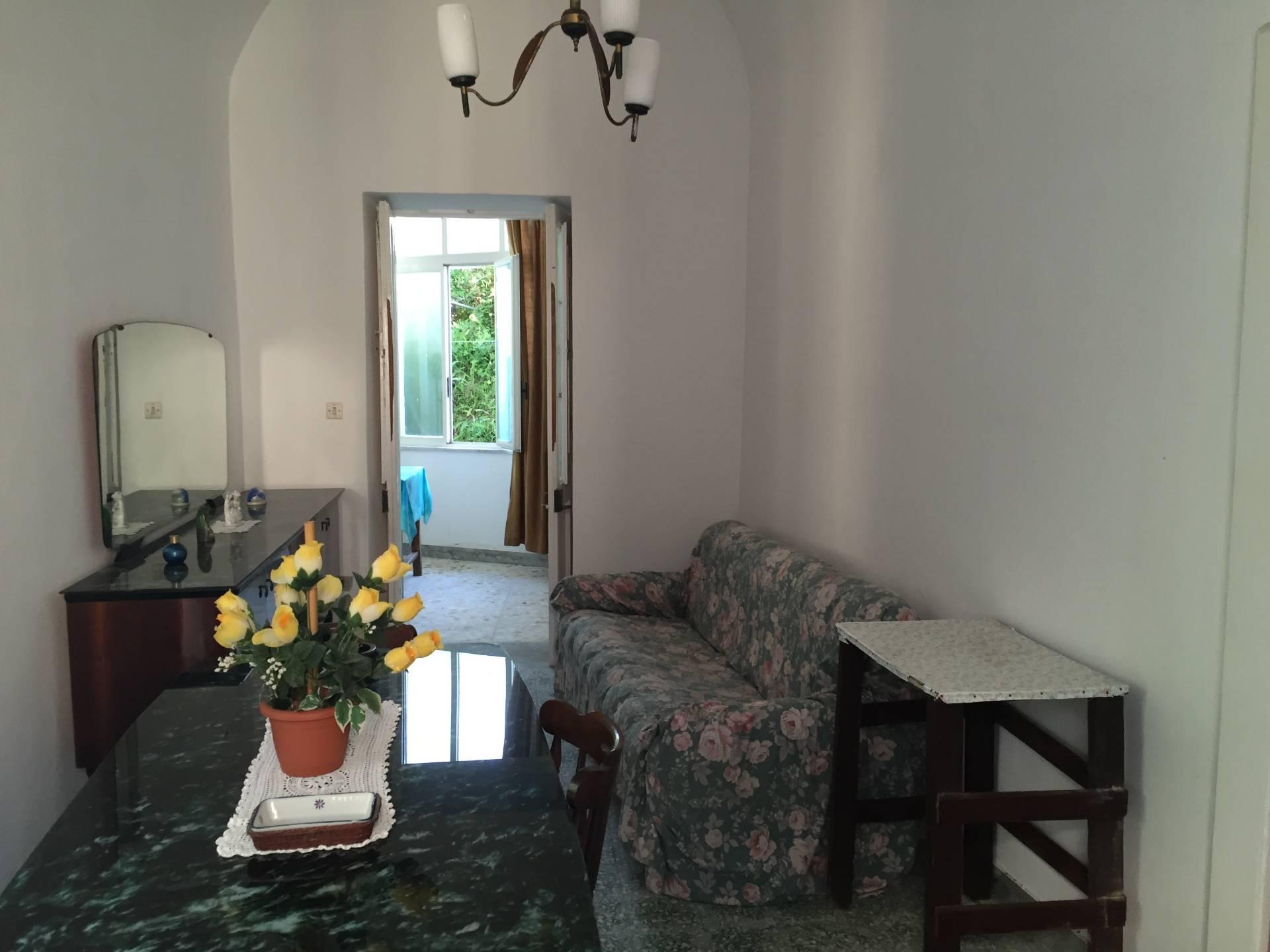 Appartamento in vendita a Barano d'Ischia, 5 locali, prezzo € 250.000 | Cambio Casa.it