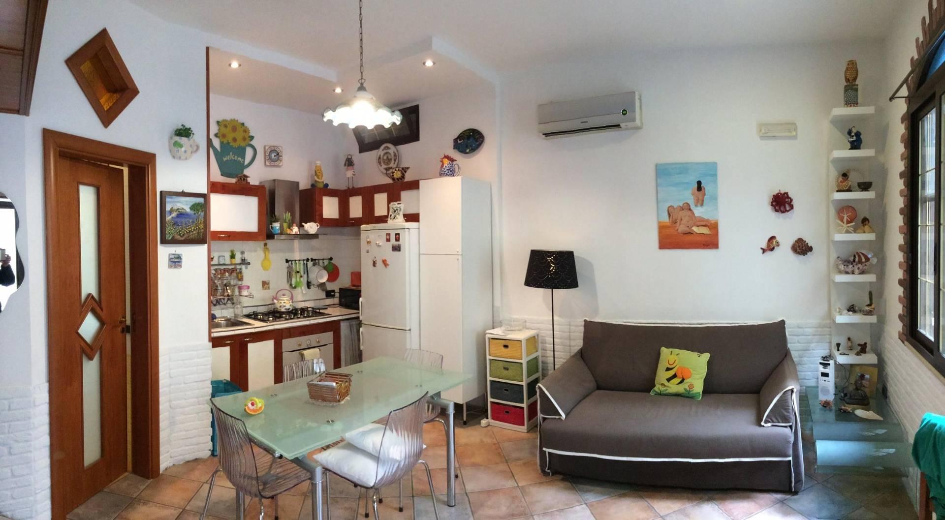 Appartamento in vendita a Lacco Ameno, 2 locali, prezzo € 155.000 | Cambio Casa.it