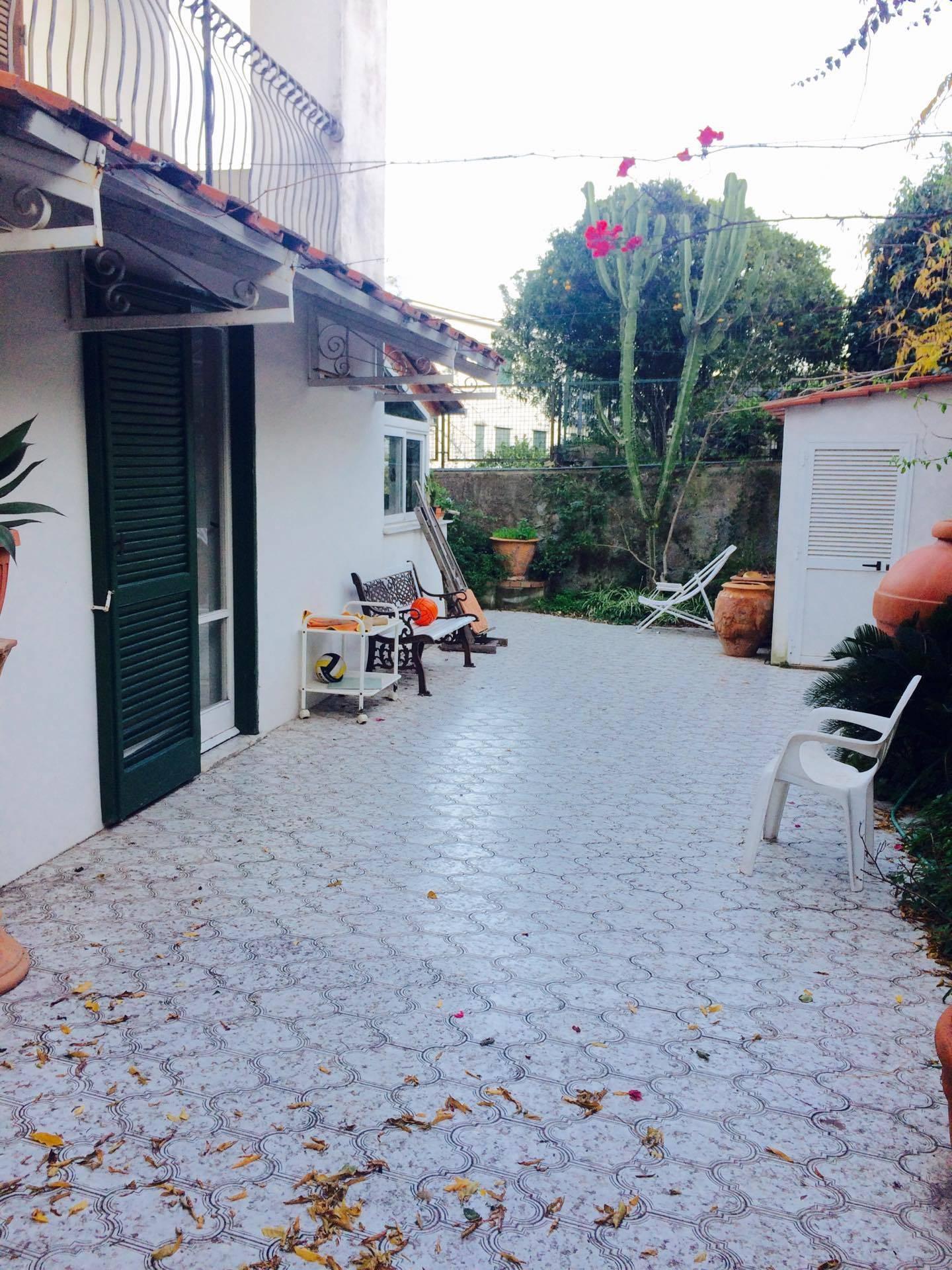 Appartamento in vendita a Ischia, 5 locali, zona Località: Viadelleginestre, prezzo € 420.000 | Cambio Casa.it