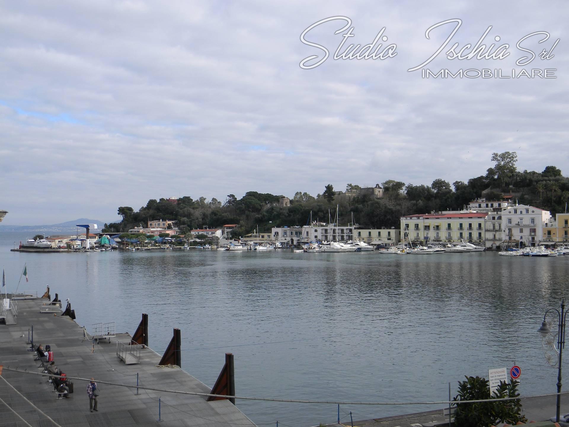 Appartamento in vendita a Ischia, 5 locali, zona Località: IschiaPorto, prezzo € 390.000 | CambioCasa.it