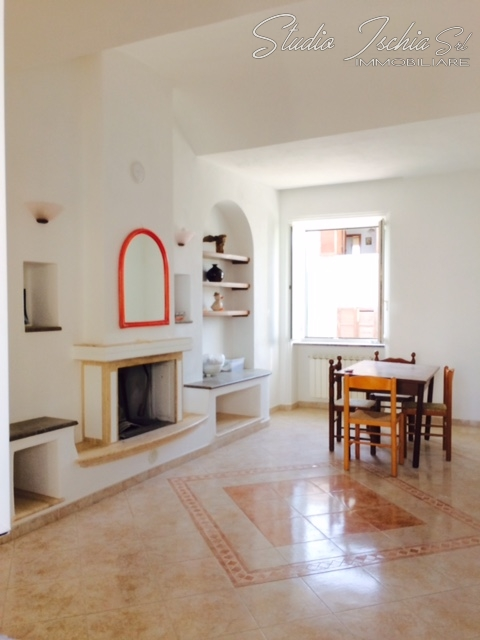 Appartamento in vendita a Forio, 4 locali, prezzo € 290.000 | CambioCasa.it