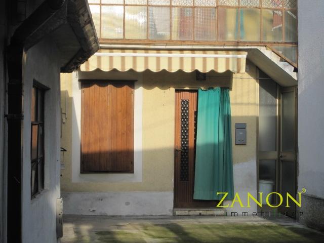 vendita casa indipendente gorizia 7 73  39.000 €