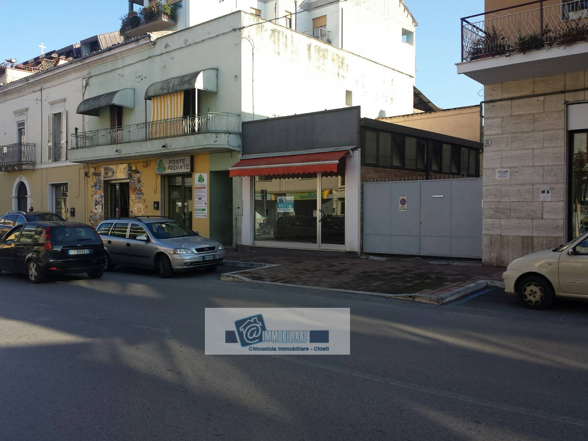 Negozio / Locale in affitto a Chieti, 9999 locali, zona Zona: Stadio , prezzo € 1.750 | Cambio Casa.it