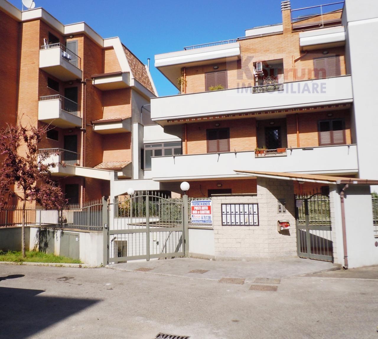 Box / Garage in vendita a Ciampino, 9999 locali, zona Località: Kennedy, prezzo € 24.000   CambioCasa.it