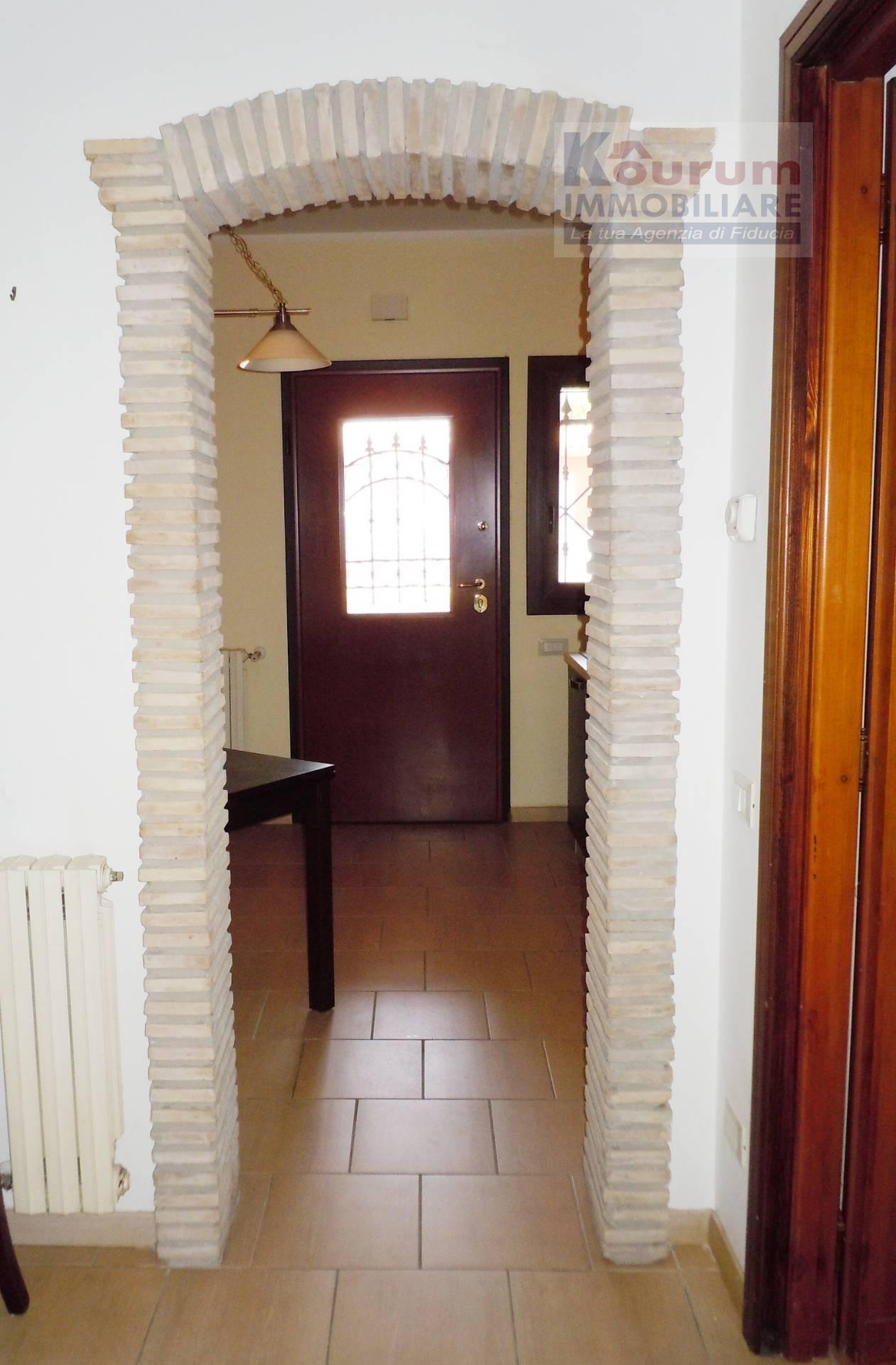 Bilocale Ciampino Via Isola Del Giglio 4