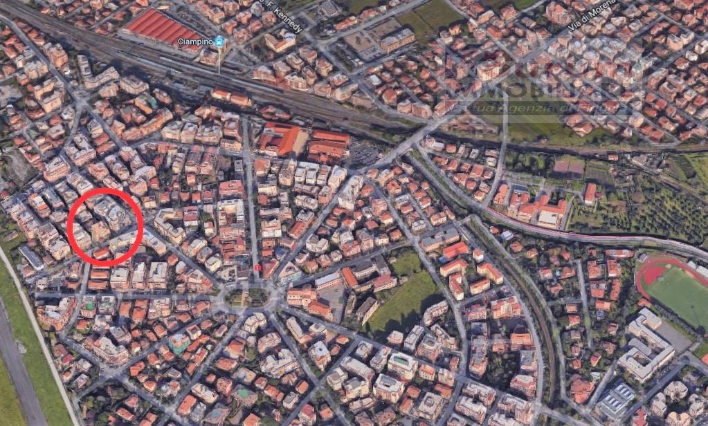 Negozio / Locale in affitto a Ciampino, 9999 locali, zona Località: Centro, prezzo € 1.500 | CambioCasa.it