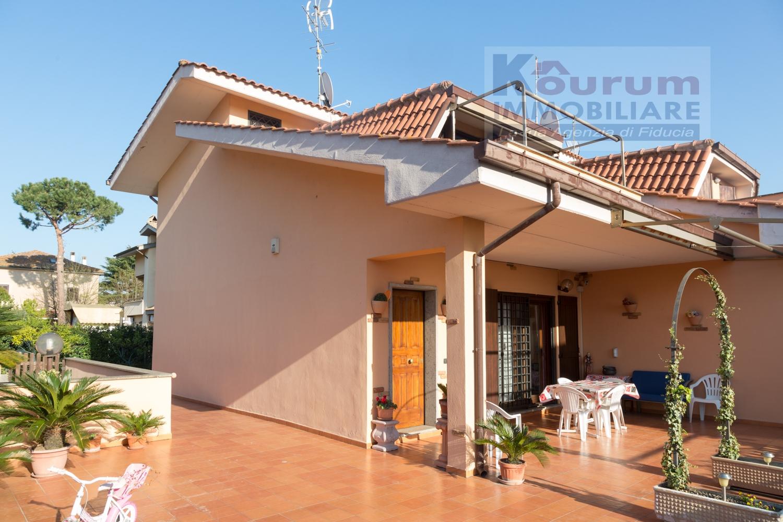 Villa in vendita a Ciampino, 7 locali, zona Località: AcquaAcetosa, prezzo € 449.000   CambioCasa.it