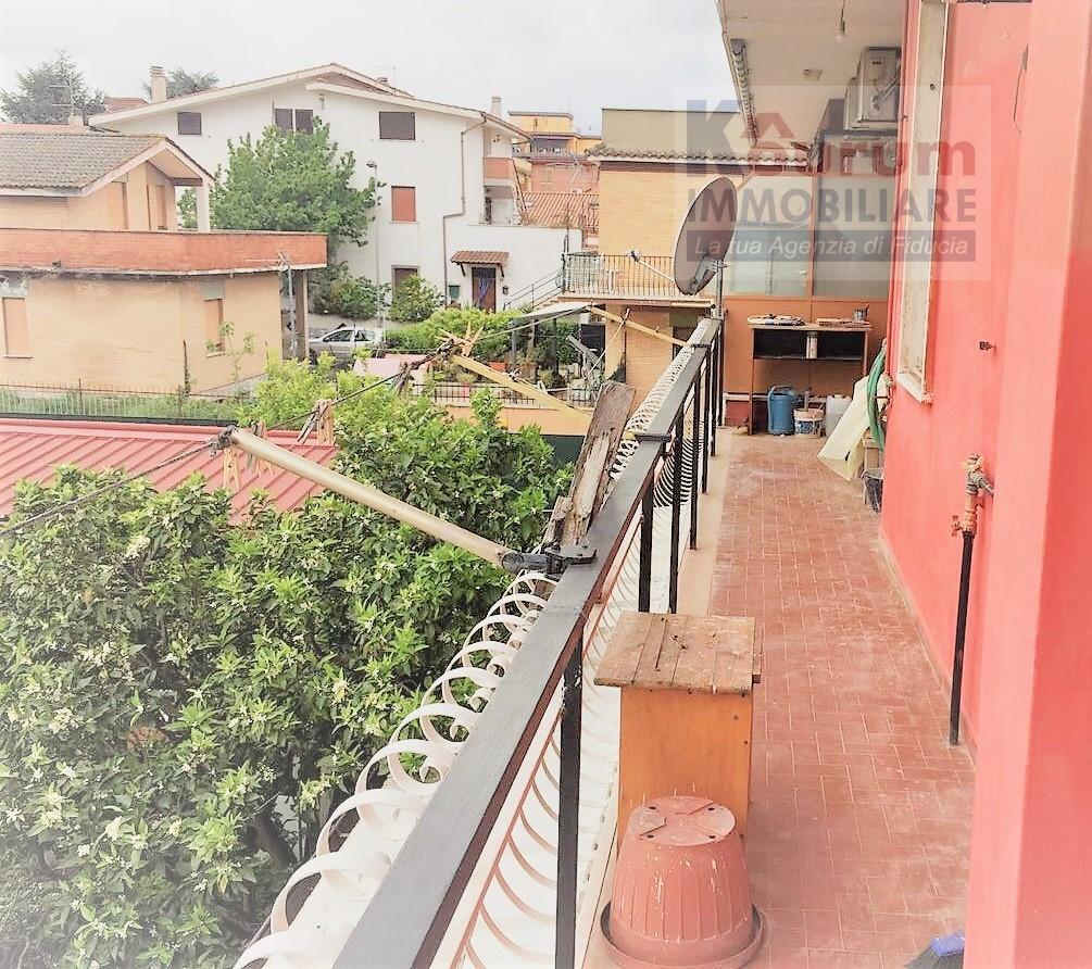 Appartamento in vendita a Ciampino, 5 locali, zona Località: MuradeiFrancesi, prezzo € 149.000   CambioCasa.it