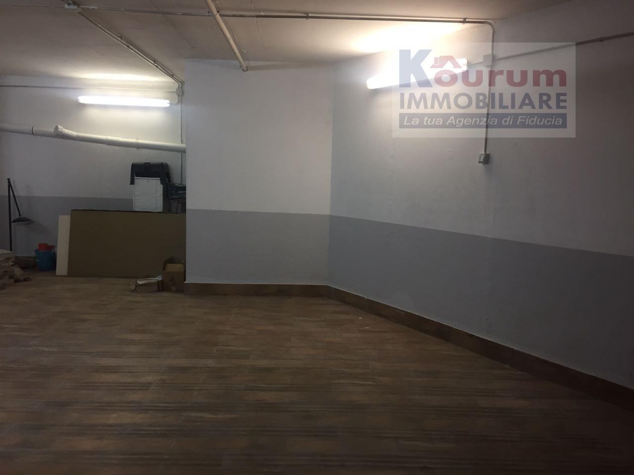 Box / Garage in vendita a Marino, 9999 locali, zona Località: CavadeiSelci, prezzo € 35.000   CambioCasa.it