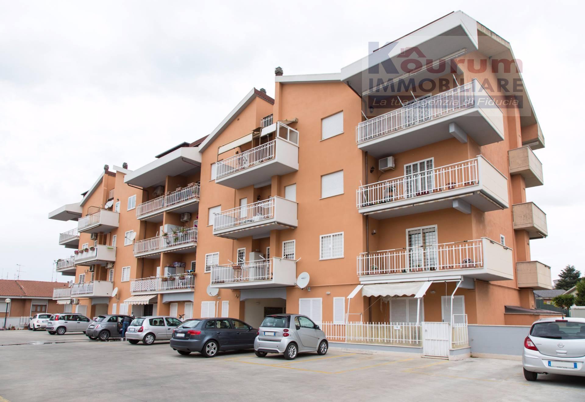 Appartamento in vendita a Ciampino, 3 locali, zona Località: ViadeiLaghi, prezzo € 189.000 | CambioCasa.it