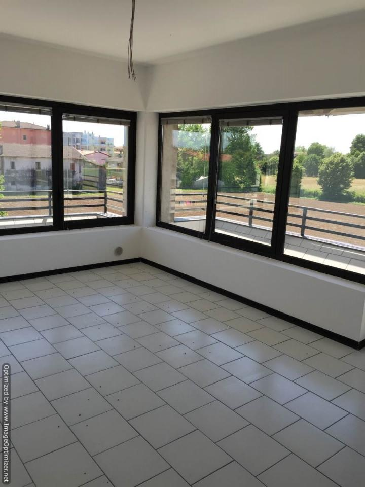Negozio / Locale in affitto a Zero Branco, 9999 locali, prezzo € 450 | Cambio Casa.it