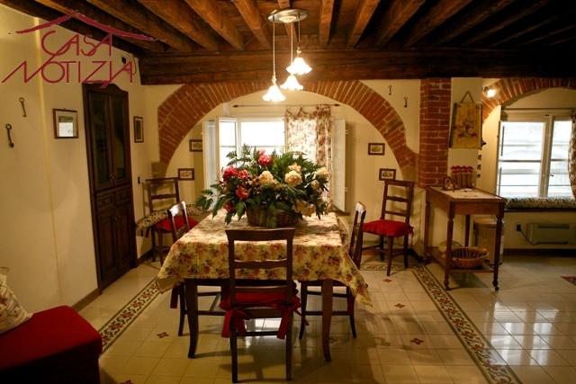 Bilocale Lucca Via Fillungo 2