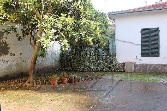 Bilocale Lucca Via Della Colombaia 7