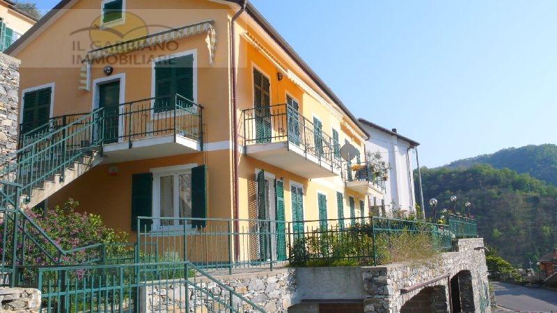 Appartamento in affitto a Avegno, 3 locali, zona Località: avegno, prezzo € 550 | Cambio Casa.it