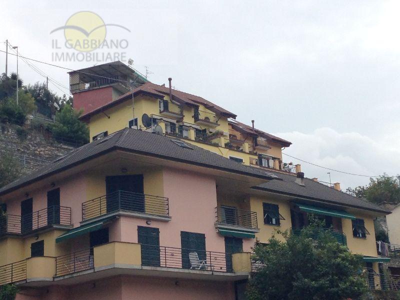 Appartamento in vendita a Avegno, 6 locali, zona Zona: Testana, prezzo € 450.000 | Cambio Casa.it