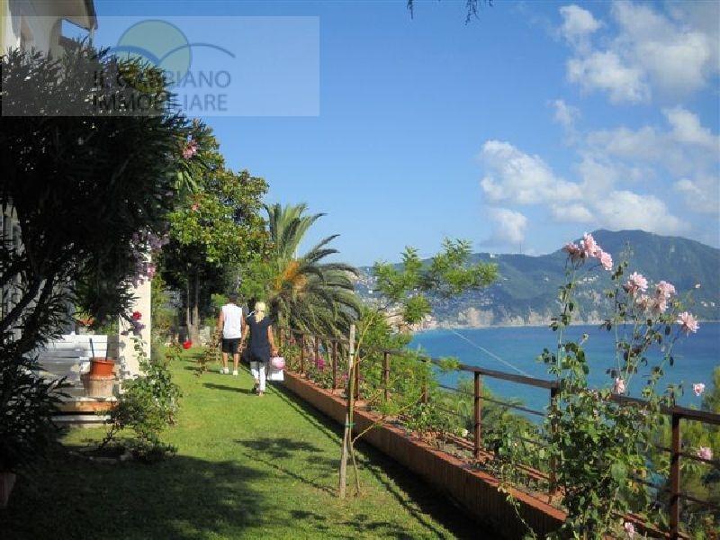 Villa in vendita a Sori, 12 locali, zona Località: polanesi, prezzo € 1.600.000 | Cambio Casa.it