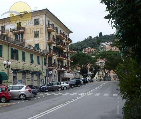 Ufficio / Studio in affitto a Recco, 9999 locali, prezzo € 900   CambioCasa.it