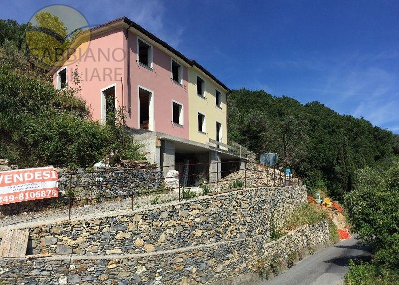 Villa in vendita a Avegno, 6 locali, prezzo € 649.000 | Cambio Casa.it