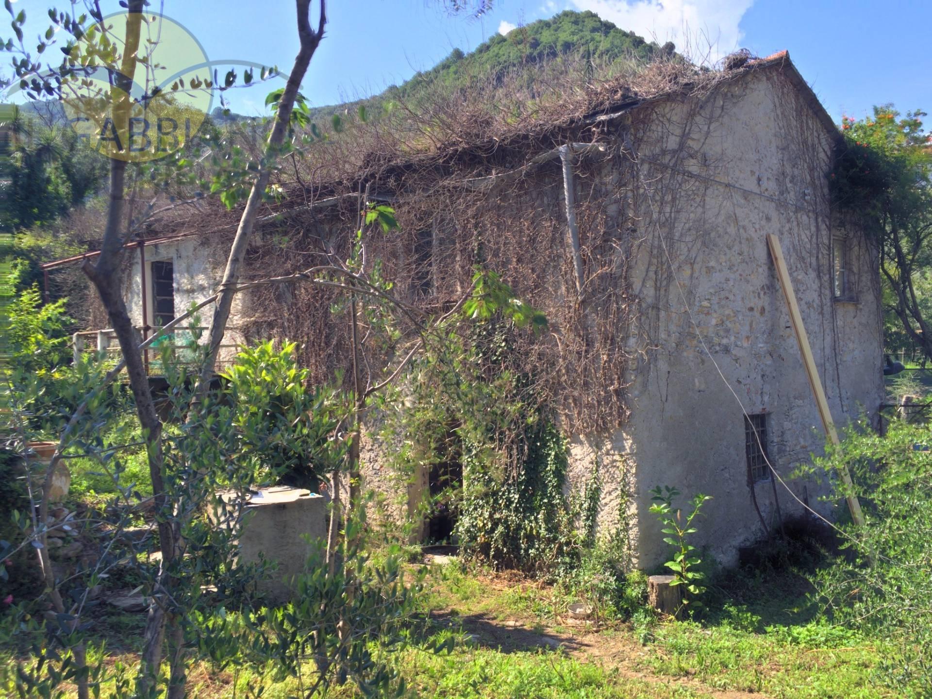 Rustico / Casale in vendita a Recco, 6 locali, zona Località: SanRocco, prezzo € 160.000 | Cambio Casa.it