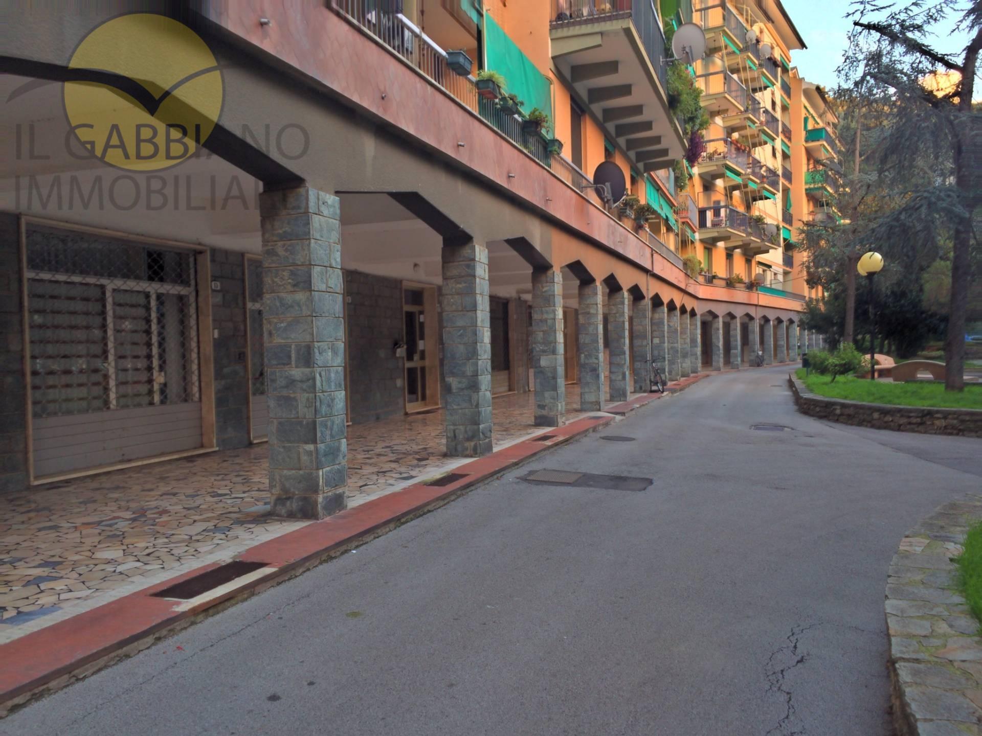 Negozio / Locale in affitto a Recco, 9999 locali, zona Località: Centrale, prezzo € 650 | Cambio Casa.it