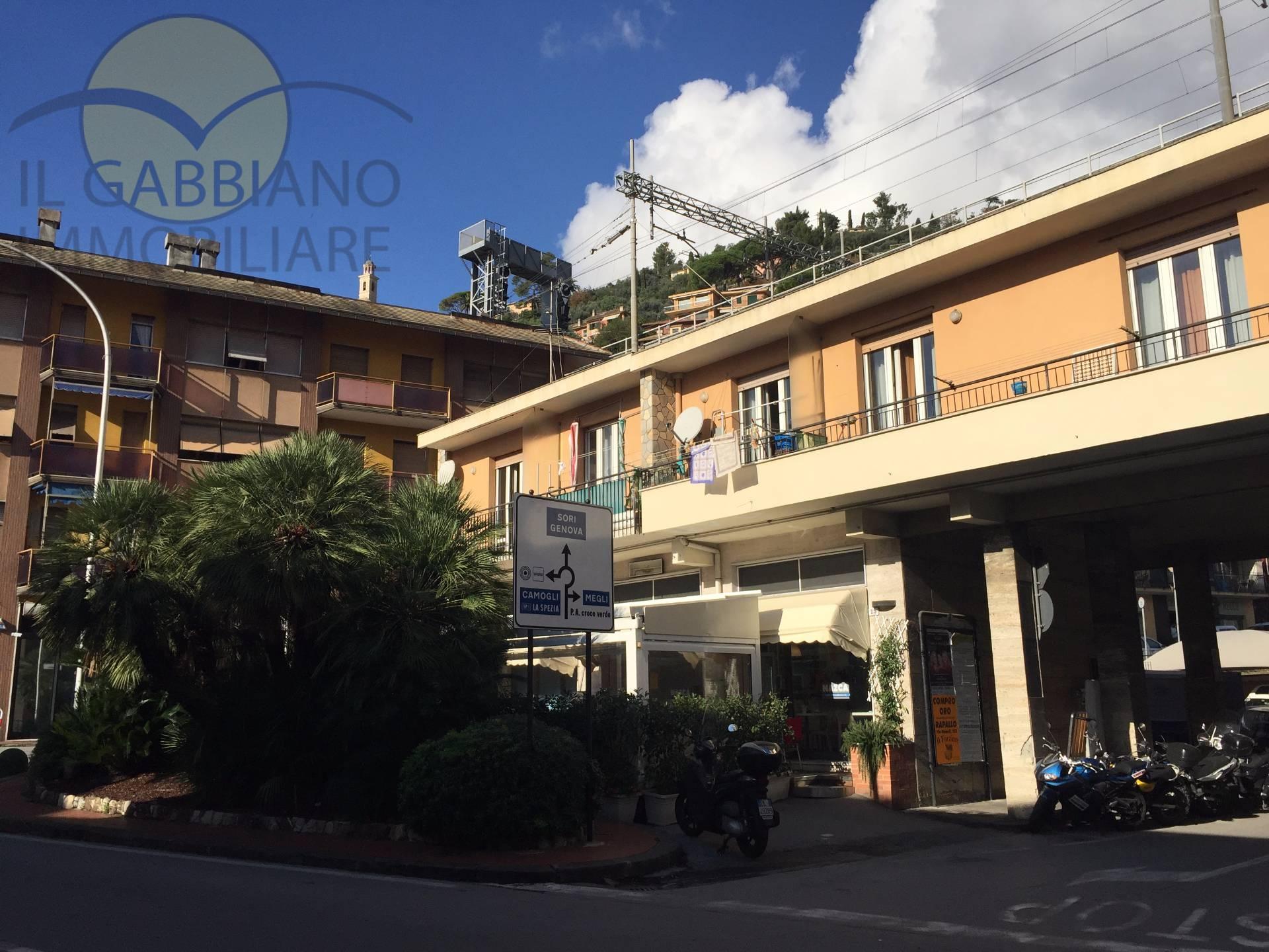 Appartamento in affitto a Recco, 5 locali, zona Località: centralissimo, prezzo € 600 | Cambio Casa.it