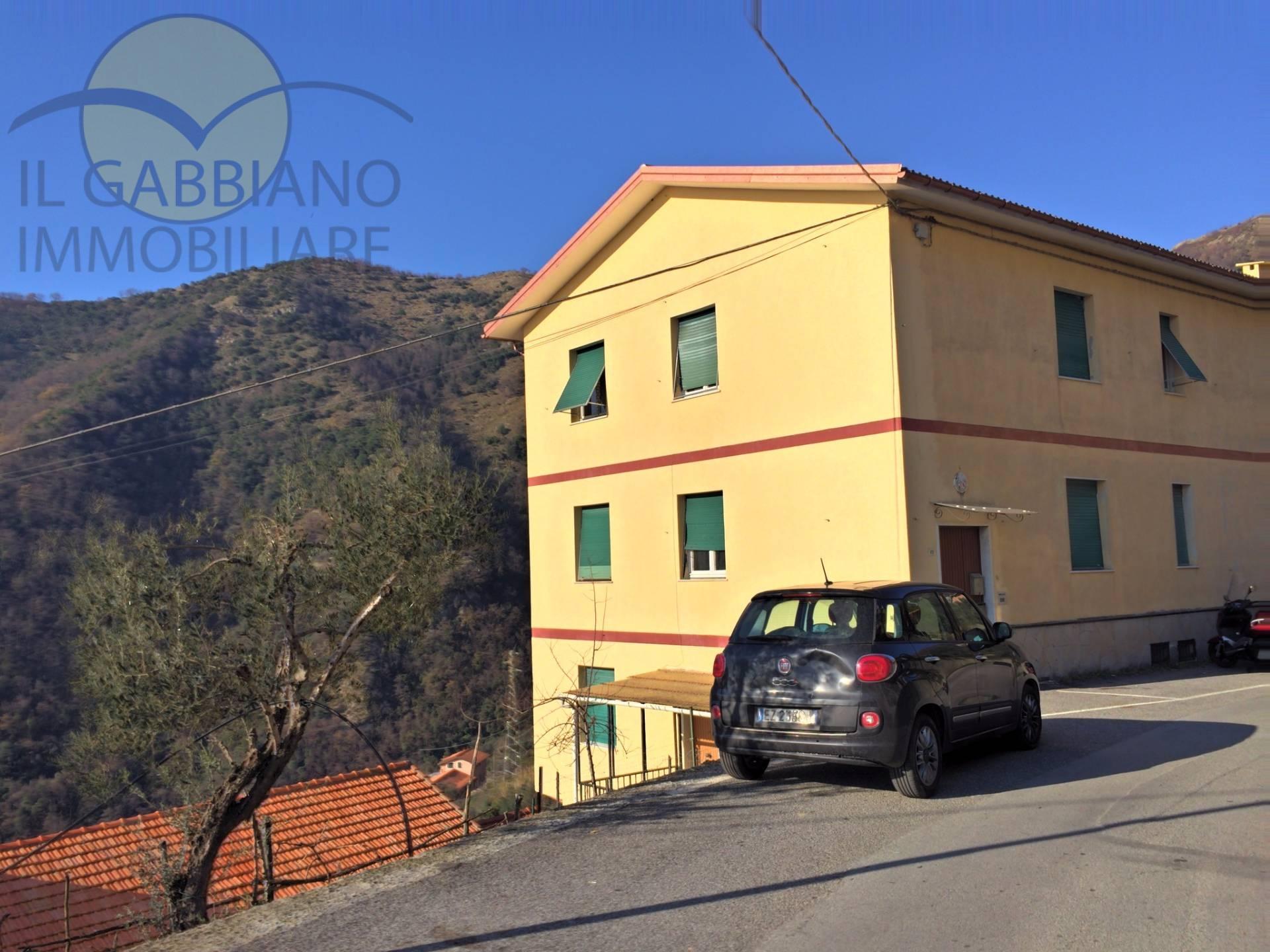 Appartamento in Affitto a Avegno