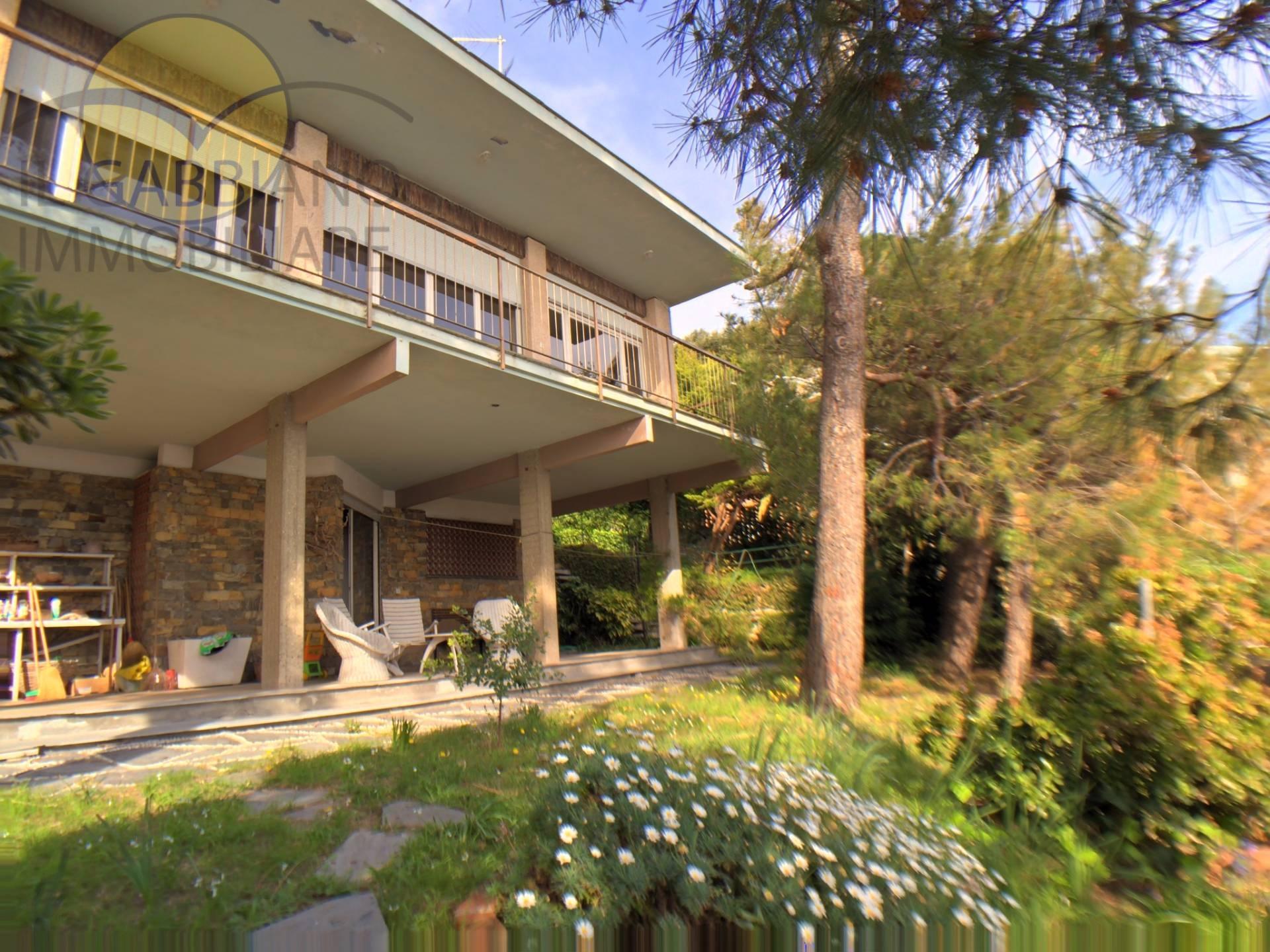 Villa in vendita a Recco, 9 locali, prezzo € 1.500.000 | CambioCasa.it