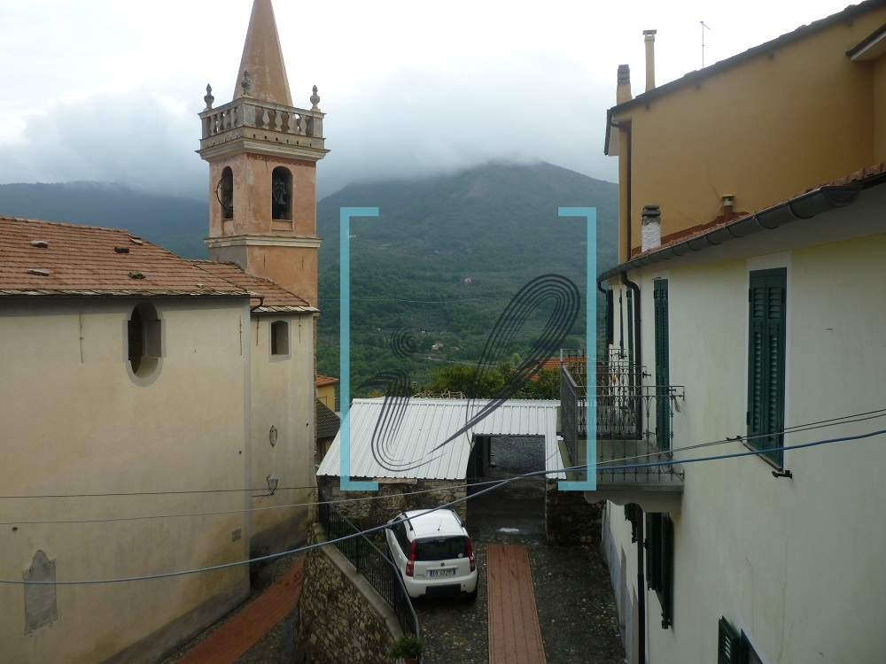 Appartamento in vendita a Caravonica, 3 locali, prezzo € 128.000 | Cambio Casa.it