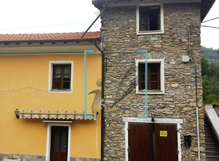 Rustico / Casale in vendita a Vessalico, 5 locali, prezzo € 130.000 | Cambio Casa.it