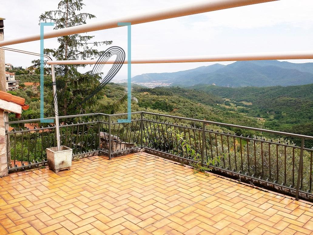 Rustico / Casale in vendita a Arnasco, 8 locali, prezzo € 198.000 | Cambio Casa.it