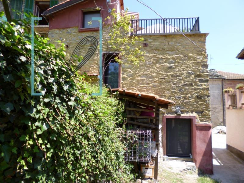 Rustico / Casale in vendita a Vessalico, 5 locali, prezzo € 140.000 | CambioCasa.it