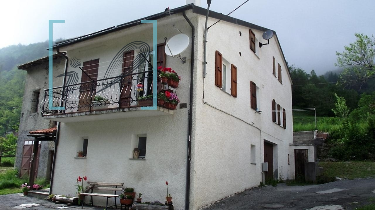 Rustico / Casale in vendita a Calizzano, 5 locali, zona Zona: Vetria, prezzo € 130.000 | CambioCasa.it