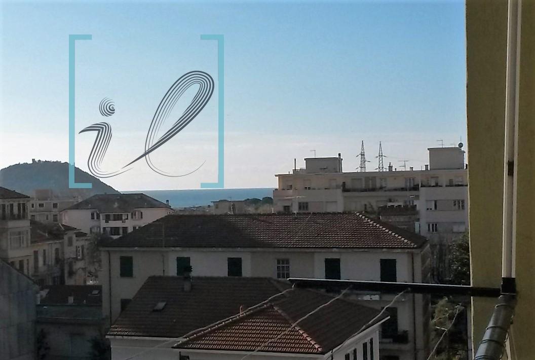 Appartamento in vendita a Albenga, 4 locali, prezzo € 235.000 | Cambio Casa.it