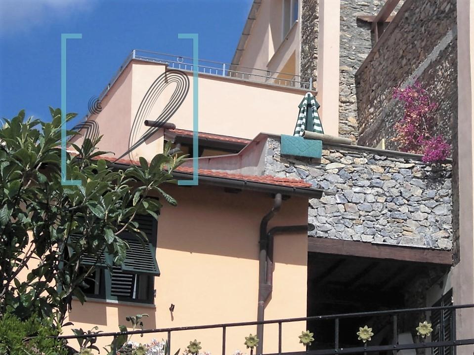 Appartamento in vendita a Ranzo, 2 locali, prezzo € 120.000   CambioCasa.it