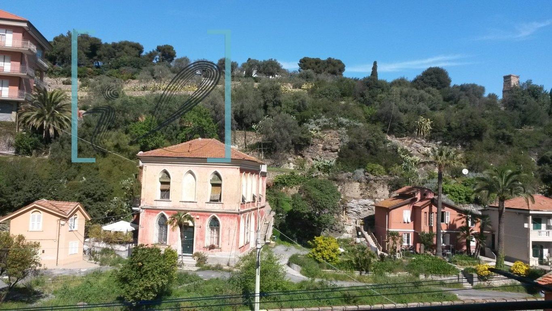 Bilocale Albenga  10