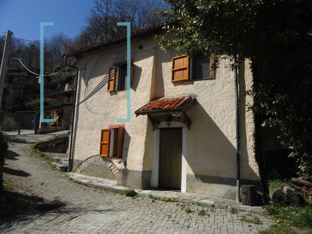 Rustico / Casale in vendita a Caprauna, 4 locali, prezzo € 65.000 | Cambio Casa.it