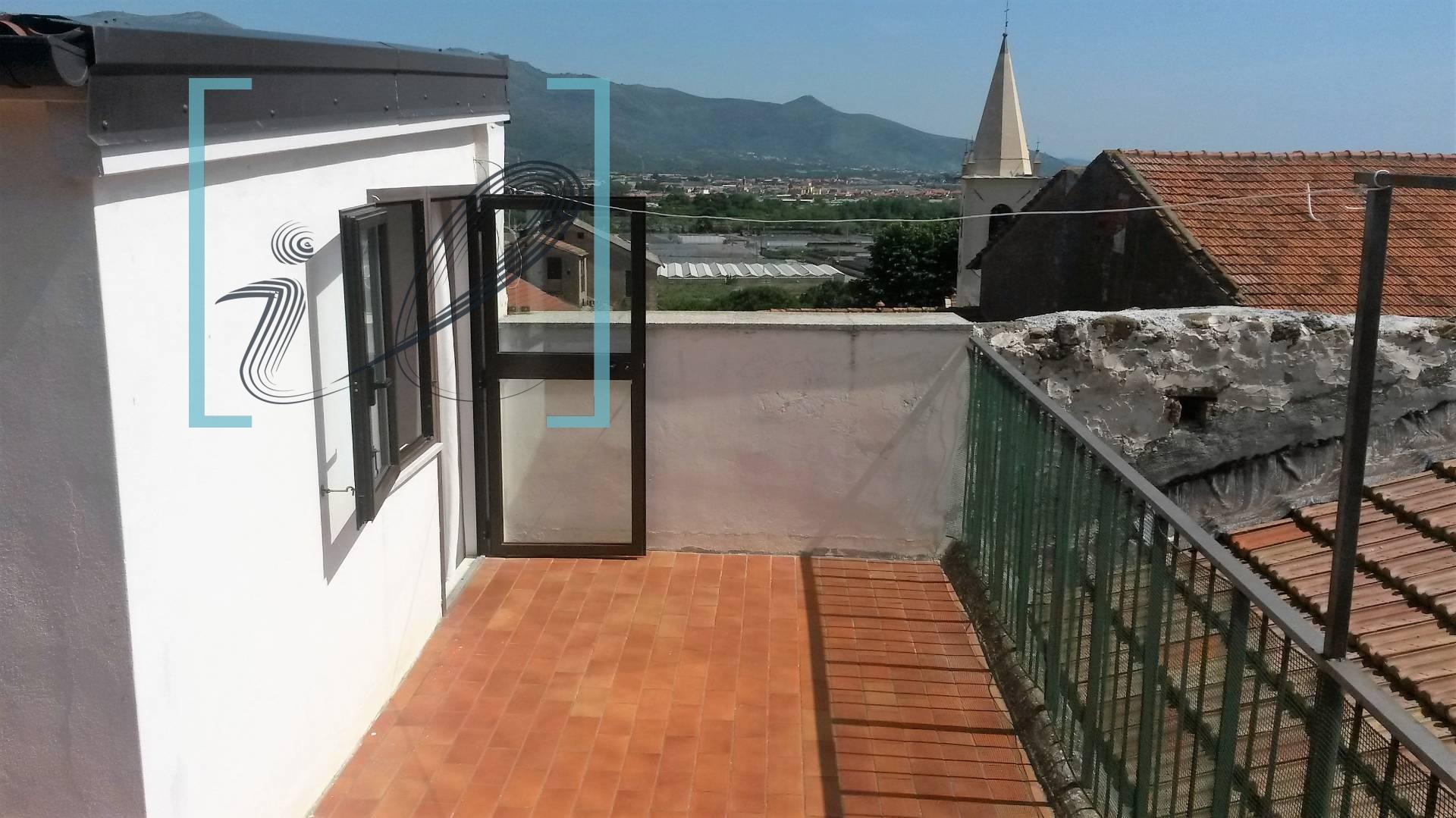 Rustico / Casale in vendita a Albenga, 5 locali, zona Zona: Lusignano, prezzo € 180.000 | Cambio Casa.it