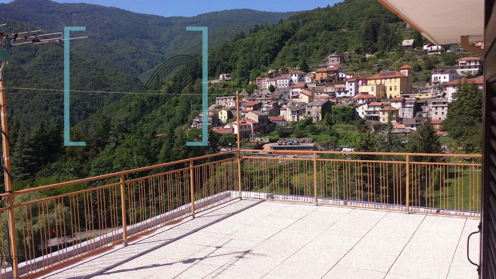 Appartamento in vendita a Rezzo, 3 locali, prezzo € 80.000 | CambioCasa.it