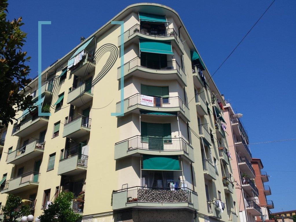 Appartamento in vendita a Albenga, 5 locali, prezzo € 190.000 | Cambio Casa.it
