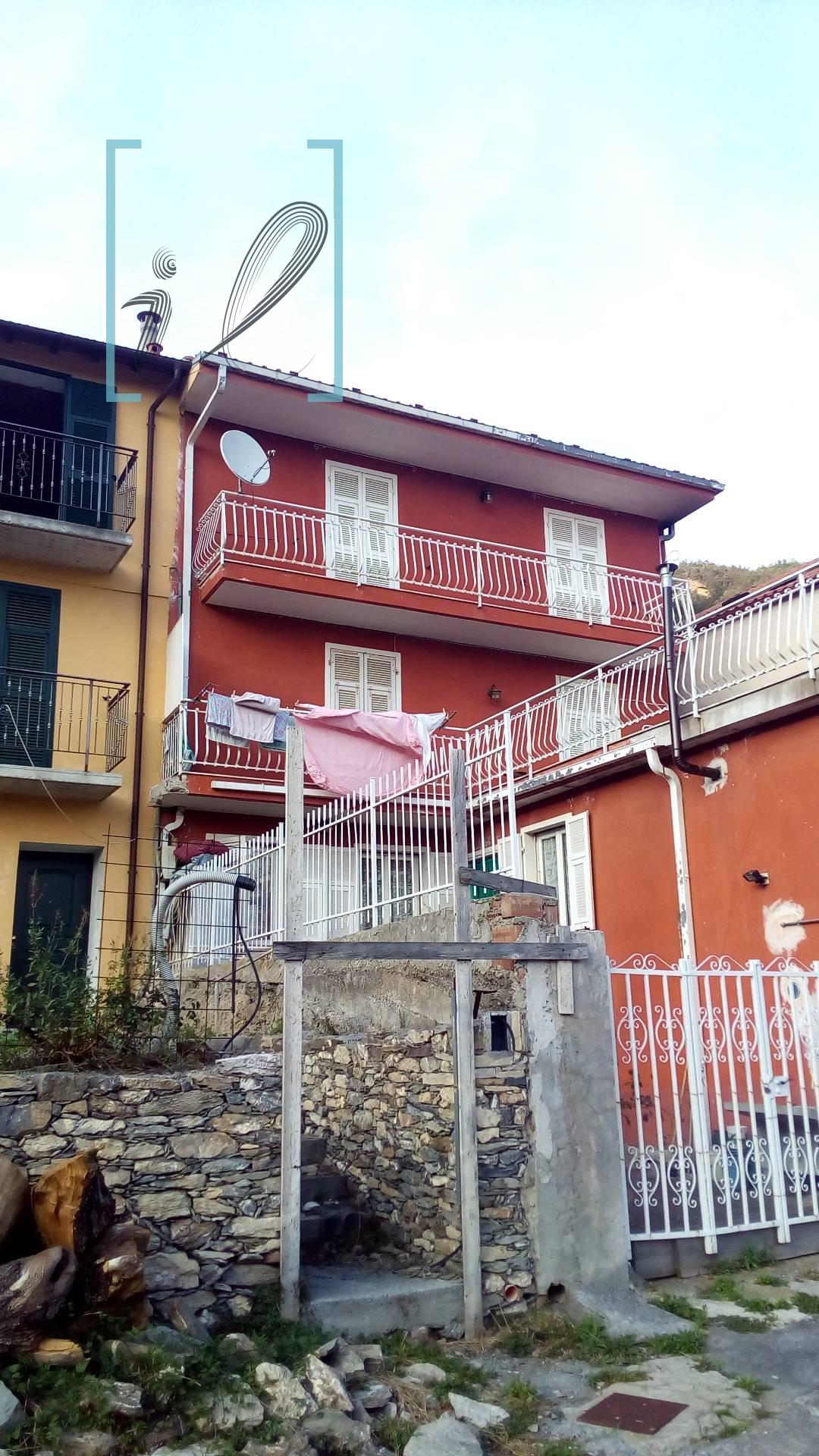 Appartamento in vendita a Armo, 3 locali, prezzo € 60.000 | Cambio Casa.it
