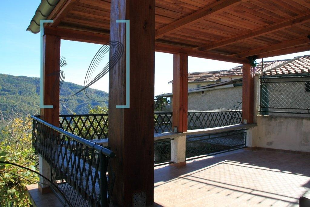 Appartamento in vendita a Borghetto d'Arroscia, 4 locali, zona Zona: Leverone, prezzo € 65.000 | Cambio Casa.it