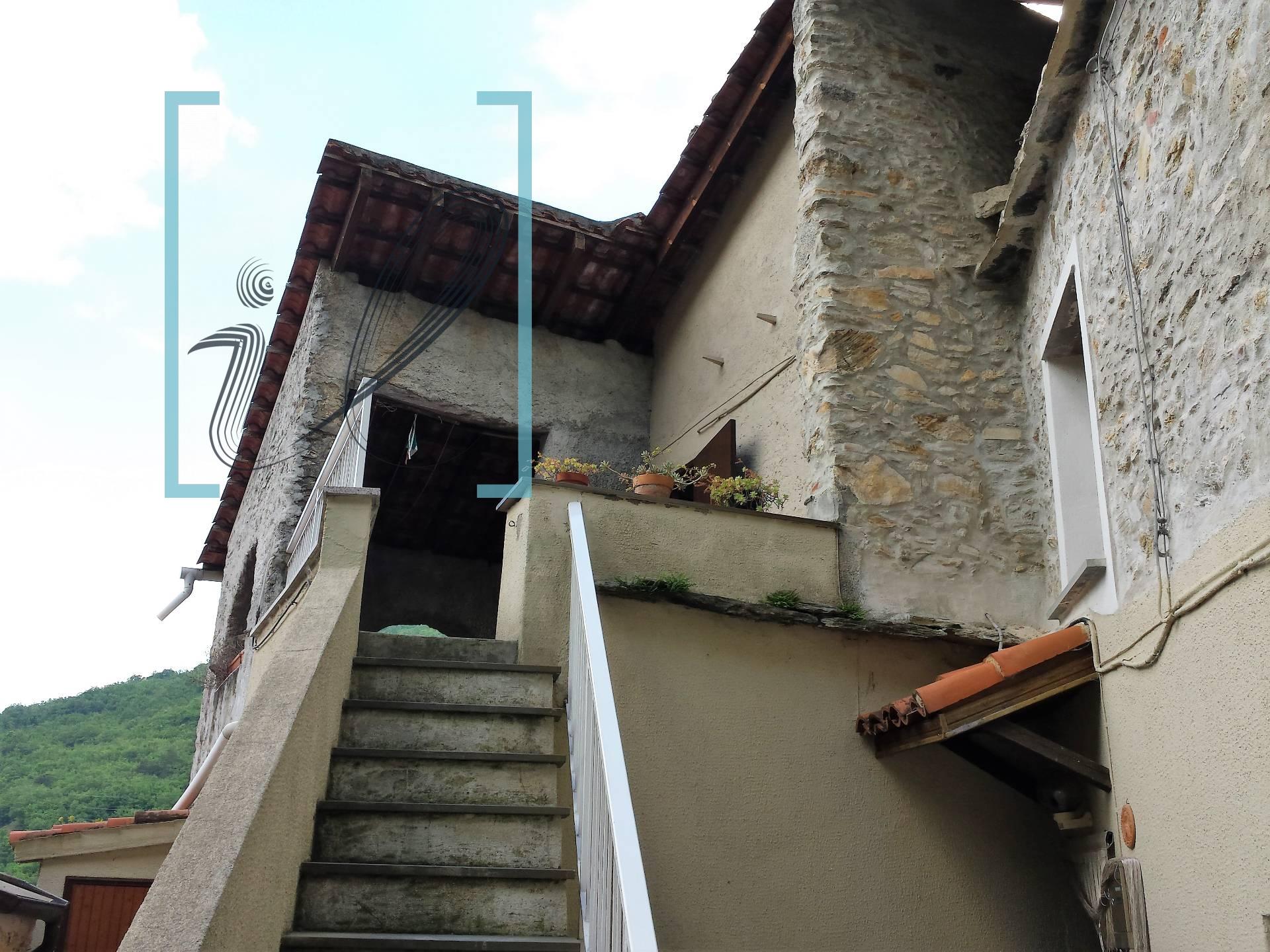 Rustico / Casale in vendita a Erli, 9 locali, prezzo € 140.000 | Cambio Casa.it
