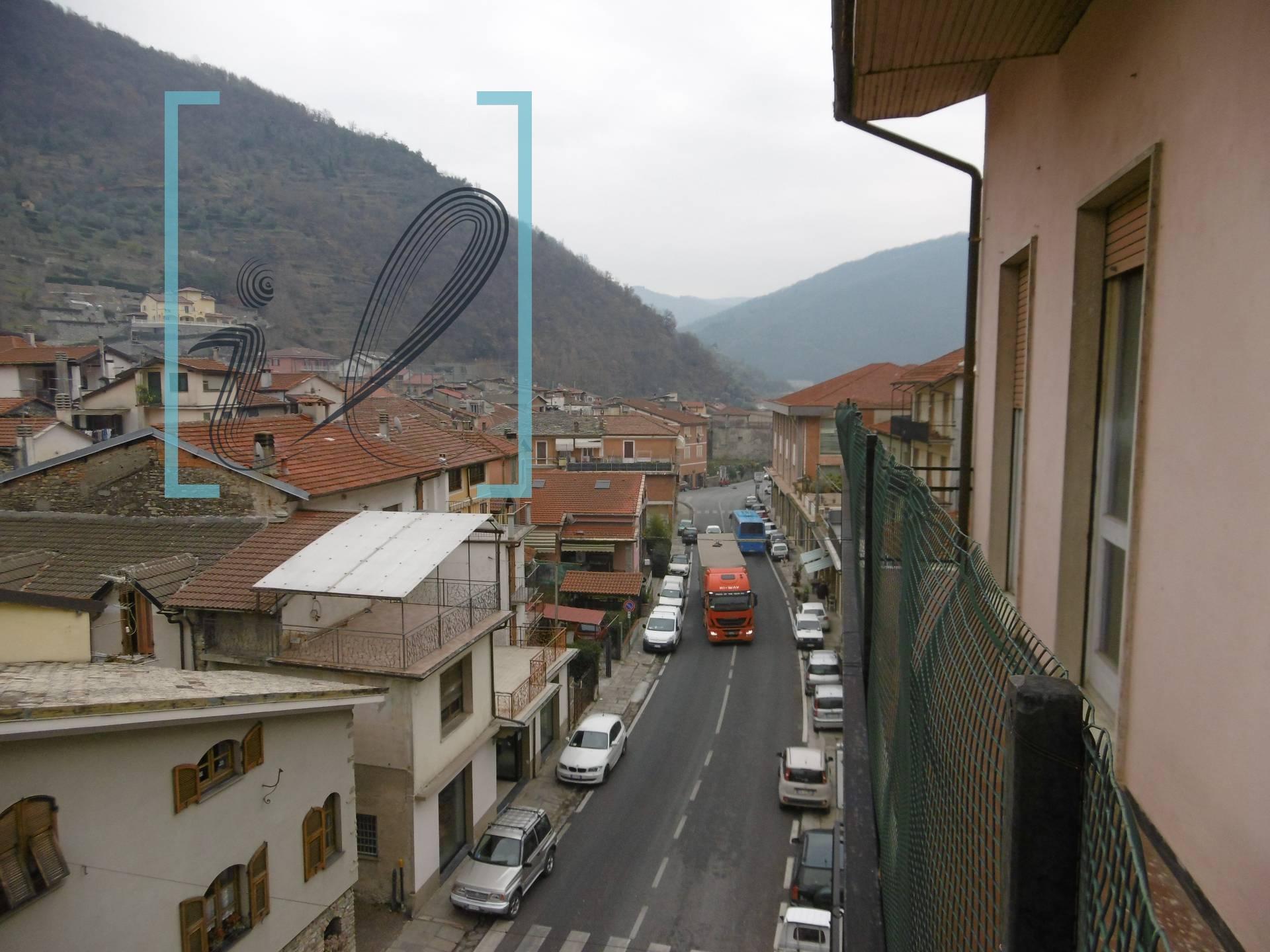 Appartamento in vendita a Pieve di Teco, 100 locali, prezzo € 75.000 | CambioCasa.it