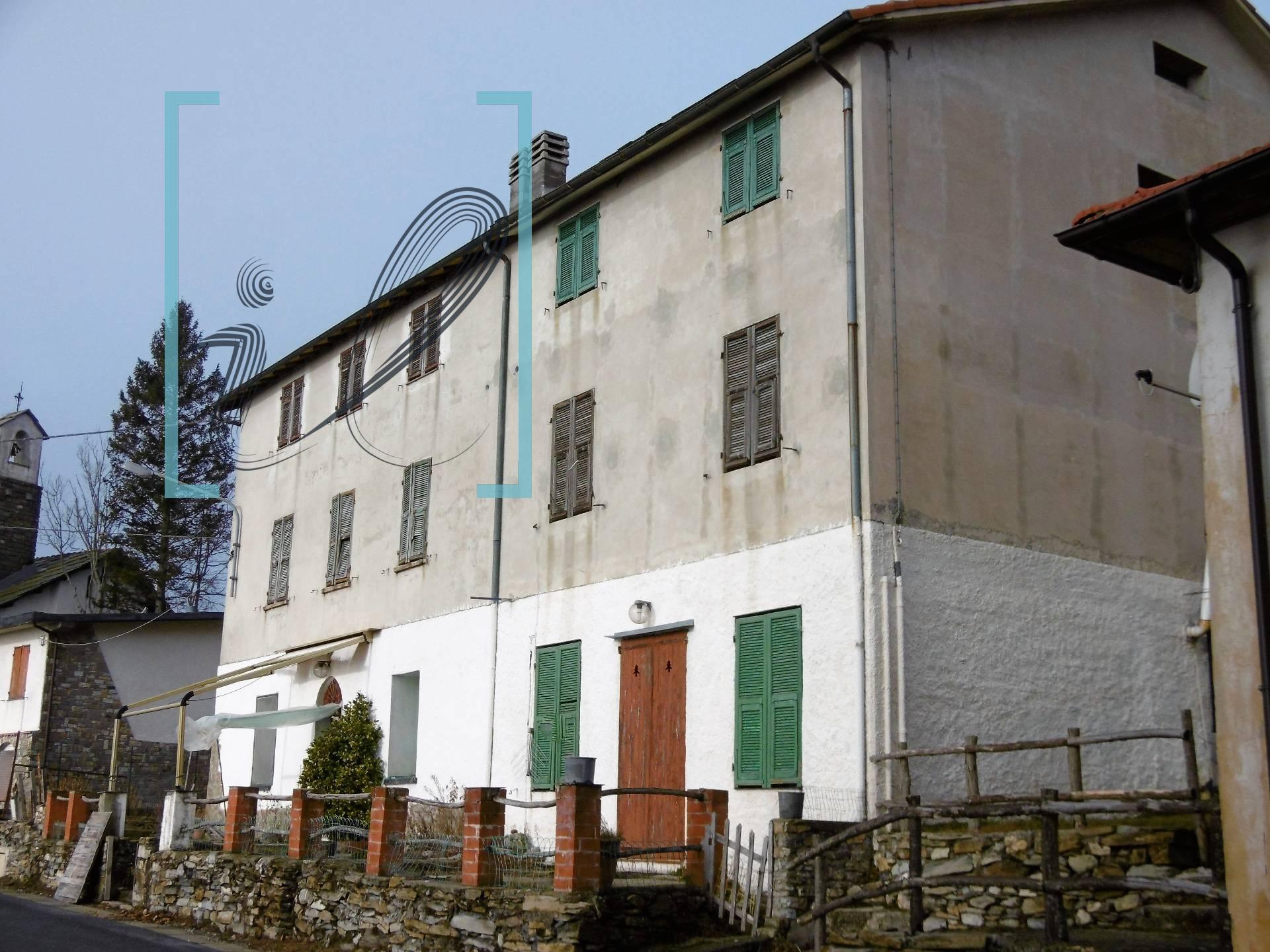 Appartamento in vendita a Borgomaro, 4 locali, zona Località: SanBernardodiConio, prezzo € 45.000 | CambioCasa.it