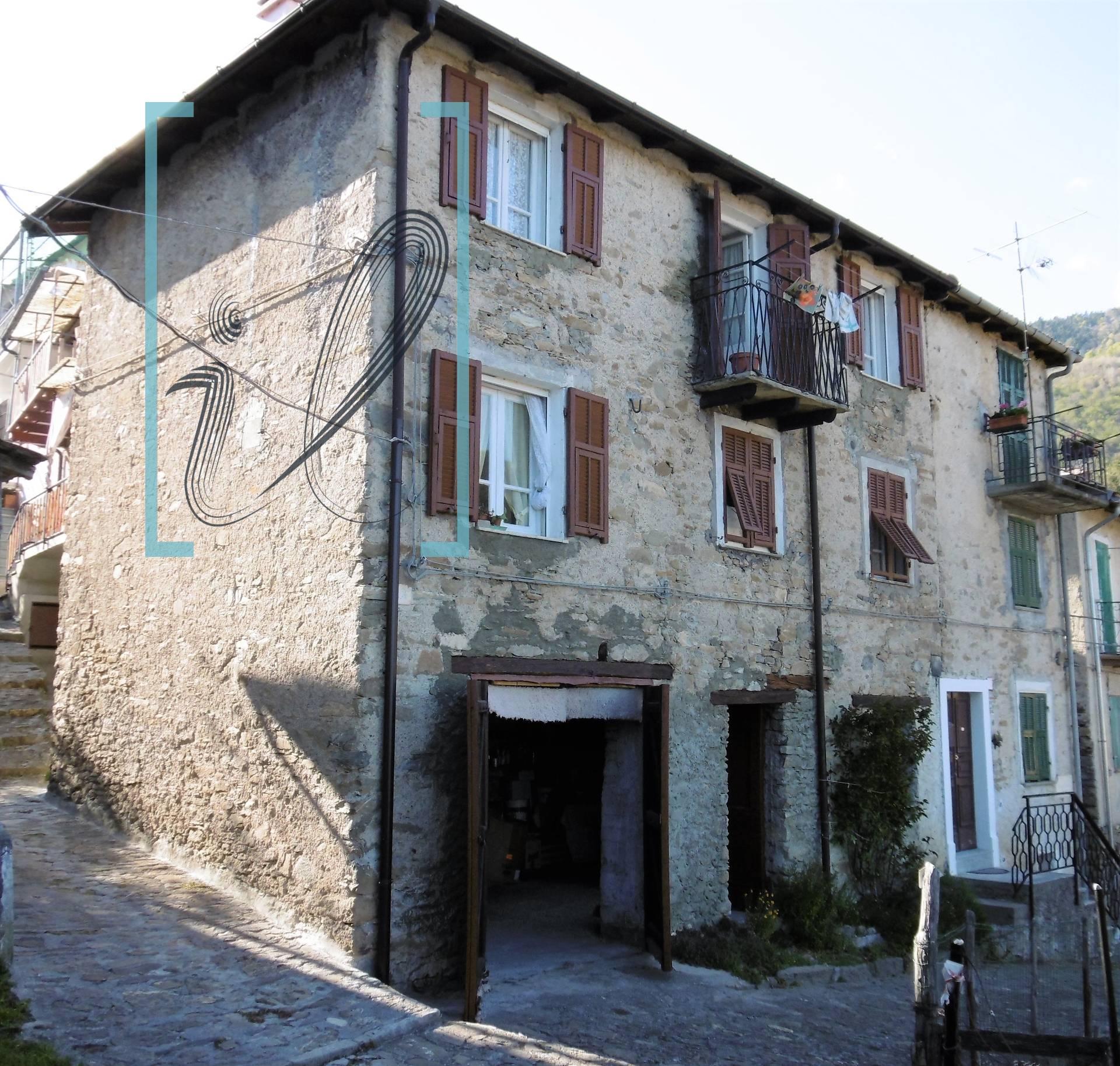 Appartamento in vendita a Mendatica, 4 locali, prezzo € 38.000 | CambioCasa.it