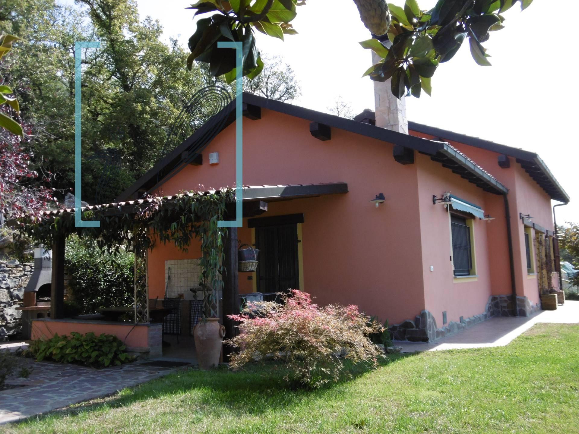Villa in vendita a Imperia, 4 locali, prezzo € 298.000 | CambioCasa.it