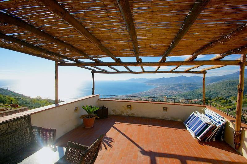 Appartamento in vendita a Borgio Verezzi, 7 locali, Trattative riservate | CambioCasa.it