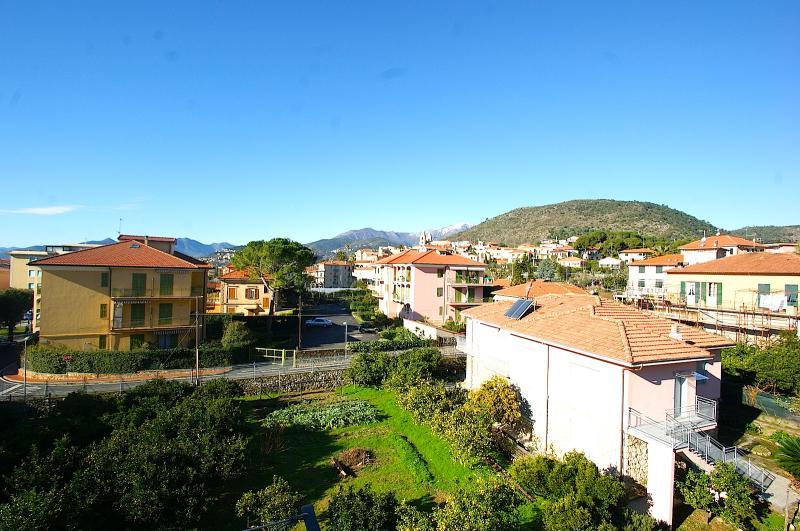 Appartamento in vendita a Borgio Verezzi, 4 locali, prezzo € 230.000 | Cambio Casa.it