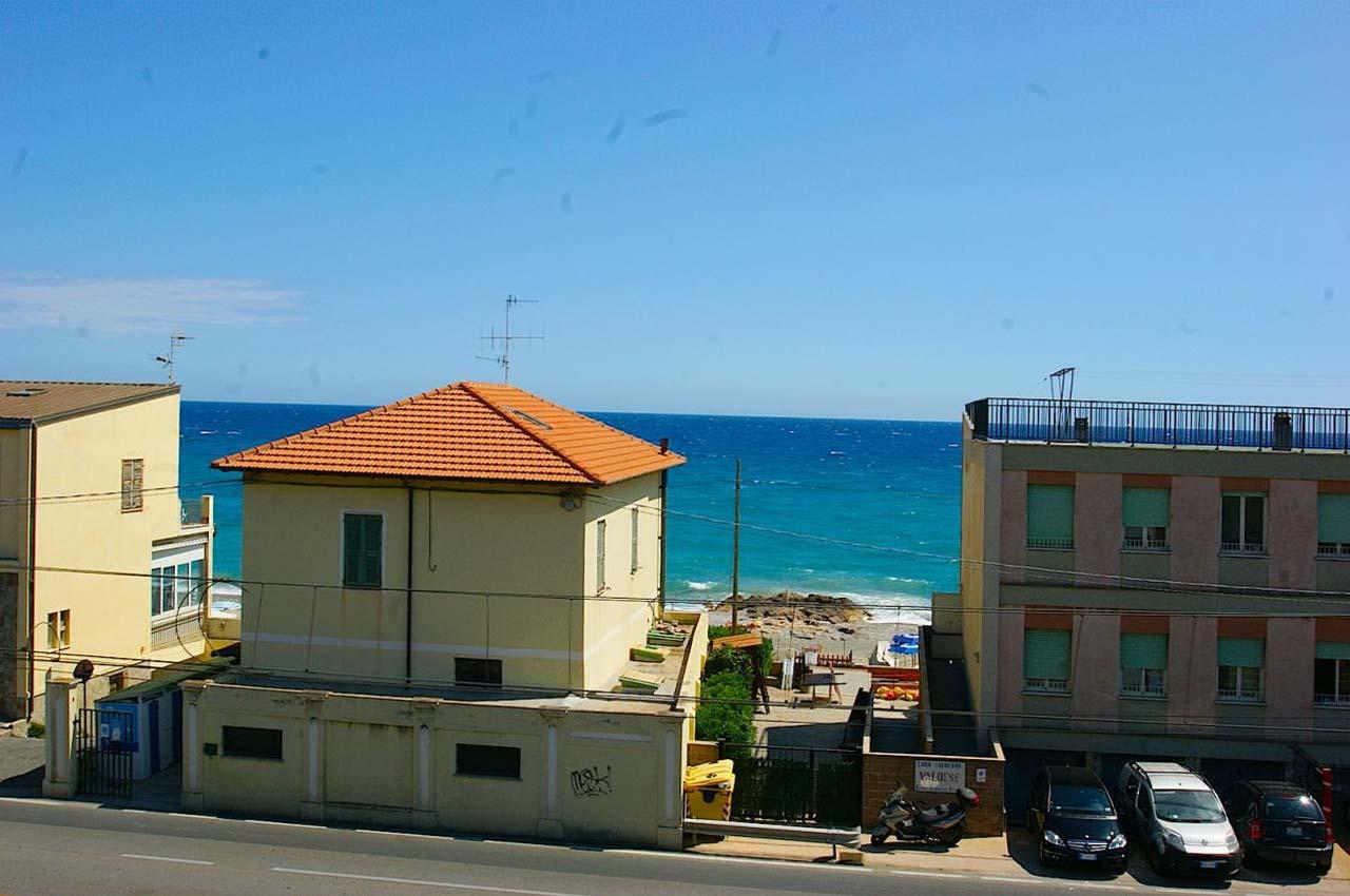 Appartamento in vendita a Borgio Verezzi, 3 locali, prezzo € 250.000 | Cambio Casa.it