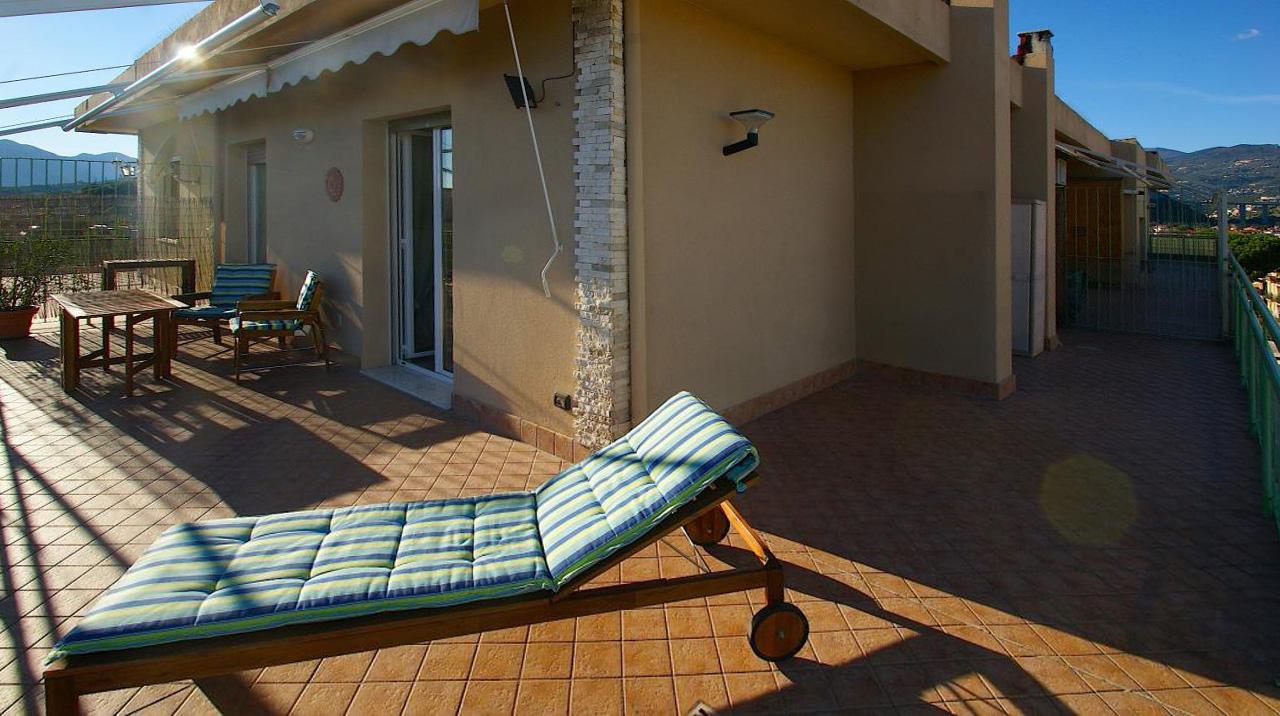 Attico / Mansarda in vendita a Pietra Ligure, 2 locali, prezzo € 298.000 | CambioCasa.it